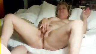 wife masturbates for hubby s friend
