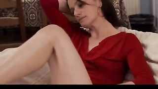 Amateur brunette hair milfwife masturbating with a pink tool