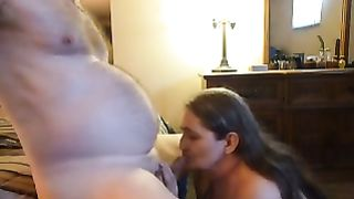 Mature perverted housewife gives me head in the bedroom on web camera