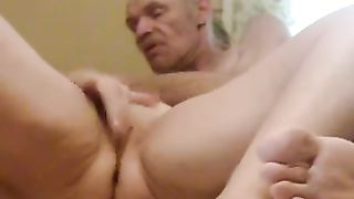 Chubby older white housewife rides her hubby on top on cam
