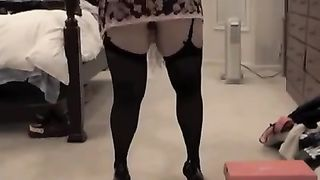 Busty dark brown milf girl loves doggy style enormous pounding
