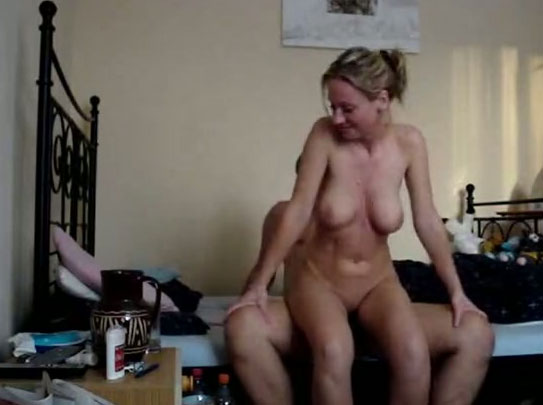 Cowgirl milf rides me