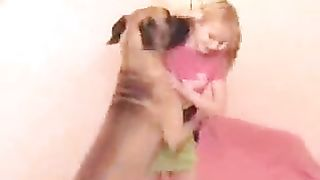 Labrador feasts on a blonde's love tunnel