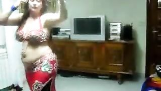 Chubby Arabic cougar cheating wife belly dancing on the cam