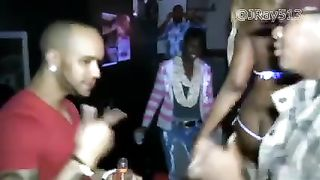 Twerk contest of large wazoo ebony babes in South African night club