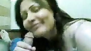 Arab hooker from Saudi Arabia sucks my biggest penis on web camera