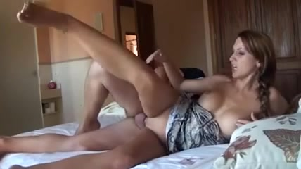 Wife gives blowjob to stranger