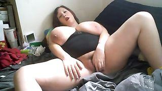 Lazy and heavy white woman masturbating on cam