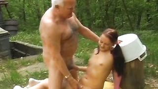 Grandpa screwed a hawt and juvenile wench in her twat on the ground