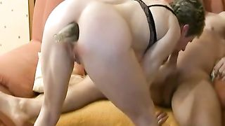 Sexy granny inserts marital-device and sucks weenie