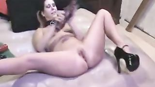 Monster marital-device makes my curvy wife squirt like a fountain