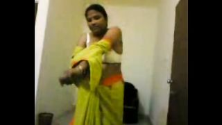 Lewd dilettante Indian dirty slut wife flashes her unsightly natural marangos
