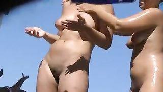 Voyeur Beach Nude Amateur Wives Filmed on Hidden Camera