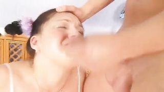 Sarah the dilettante slut acquiesces to acquire face-fucked indoors