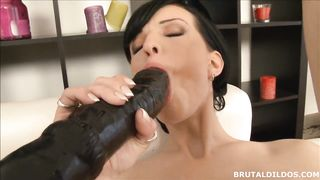 Anal and vaginal big brutal dildos! Big dildo pussy and anal play