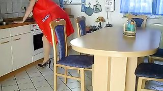 Making this mature wife moan and twitch while she is blindfolded and tied to a table and fisted