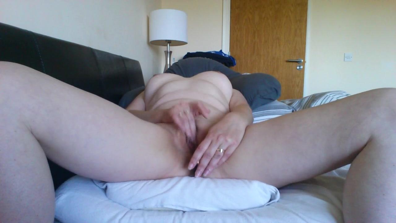 Hard Pussy Eating Orgasm