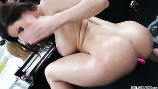 Anikka Albrite eating and fucking Kendra Lust