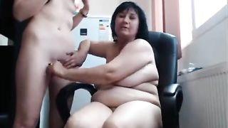 [Stolen Private Vids] Mother eats pussy daughter on cam