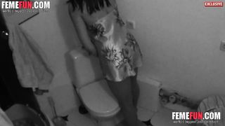 [Fucking bitch on HiddenCam] Filmed my girlfriend's mom masturbating in the bathroom