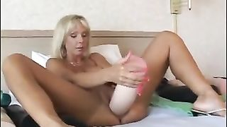 Will it fit? Hottie looking to widen the pussy