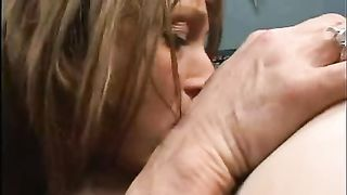 [Old & Young lesbian incest] Agressive Mature MILF Destroys Teen Pussy