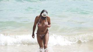 [Spy Camera On The  Beach] Wife at the beach