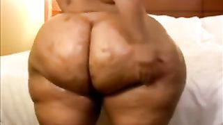 Huge-assed ebony slut wife demonstrates her body for the webcam
