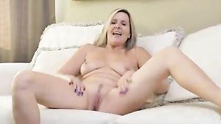 [ MATURE MOM 50 YO ] Old mature doing striptease and masturbate