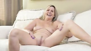 [ MATURE MOM 50 YO ] Old mature doing striptease and masturbate