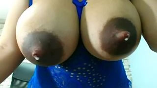 [Wife Home Alone] Big Leaky Areolas on Milk Filled Breasts