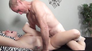 [ Father Daughter Blowjob Ivcest XXX ]  Old man keeps fucking condition.