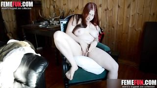 Morning masturbation in a comfortable chair on hidden camera