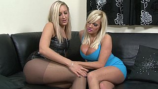Taste of that puss, sister seduces her sister lesbian movies