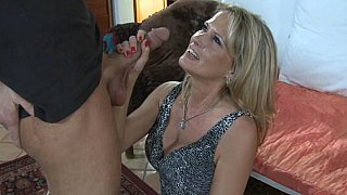 Amazing home scenes with mom sucking son cock like a true whore in heats