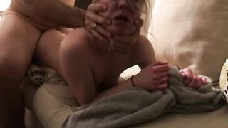 Guy gets filmed when deep fucking passed out mom in her tight pussy