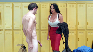 Mom pegs son and pleases him with the hottest fuck play in his life