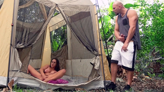 This pervert mom masturbate, she playing with her pussy in the tent