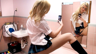 My hot girlfriend teased me and made me fuck her in the school's bathroom!