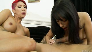 Mommy teaches a cute slut daughter how to give good head