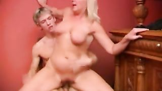 Mom swallows son whole load of jizz in the end of a smashing fuck play