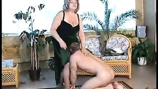 Mom sucking cock like a whore in super sexy scenes while naked on cam