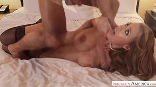 Fist-fucking this mature while she's in bondage till she's loose and stretched