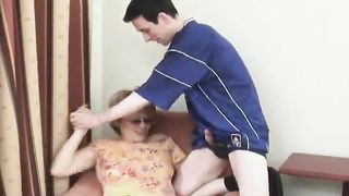 [ Mom son blowjob ] Sizzling redhead wedges his cock deep down her pussy after a great blowjob
