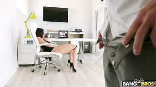 [ Wife caught watching porn ] Brunette beauty can't help but to touch herself while watching something naughty