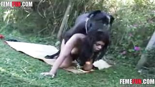 [ Dog sex xxx] Enormous black dog screwing an all natural exotic wife