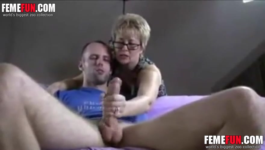Son Fuck Girlfriend Mom
