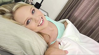 Blonde's beauty blowjobs she puts on a sizzling show with her pretty, pink blanket