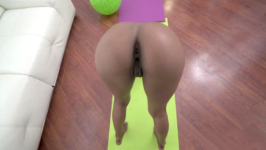 Ebony yoga porno