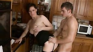 Mom shows pussy on cam when home alone and enjoys young visitors
